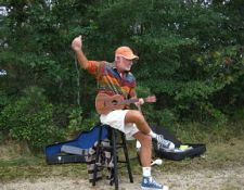 hct-wms_wild-bill-corney_on_ukulele_credit_mike_lach_14sept2013_opt